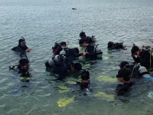 ベタ凪の海で海洋講習